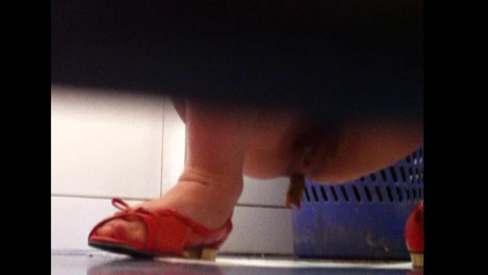 Vol.02 大な白衣の天使さん.靴、派手すぎません? 潜入 | OLのボディ  66PIX