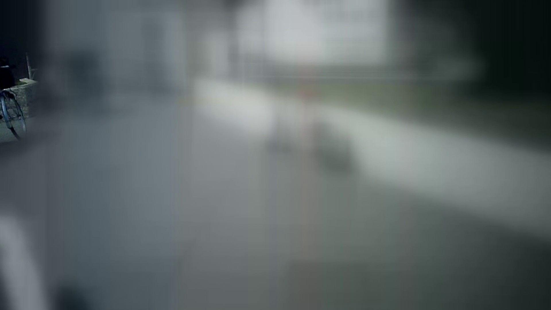 自転車パンチラ Vol.07 チラ見せ | OLのボディ  50PIX